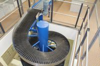 Fully reversible spiral conveyors